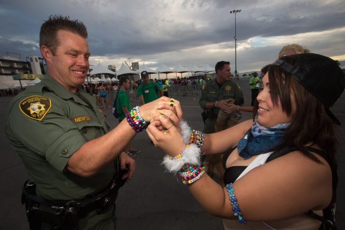 Trading Kandi With Cops