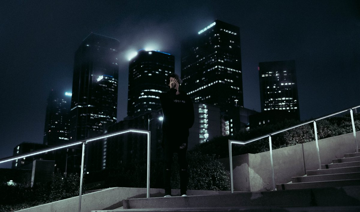 i_o dark night